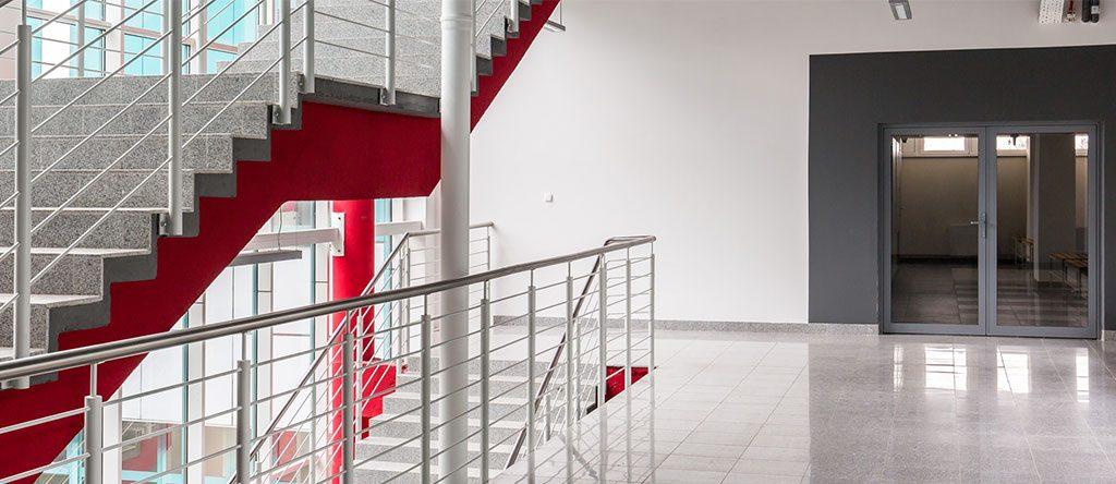 Treppenhausreinigung - Tamminga Gebäudereinigung