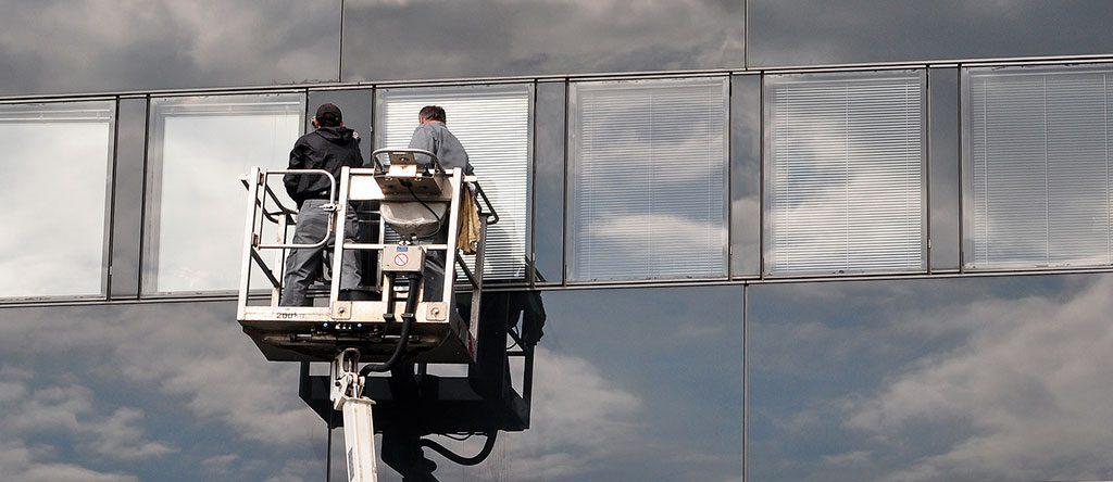 Glas- und Fassadenreinigung- Tamminga Gebäudereinigung