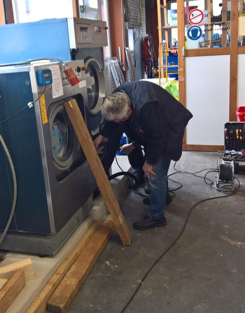Einbau einer neuen Waschmaschine